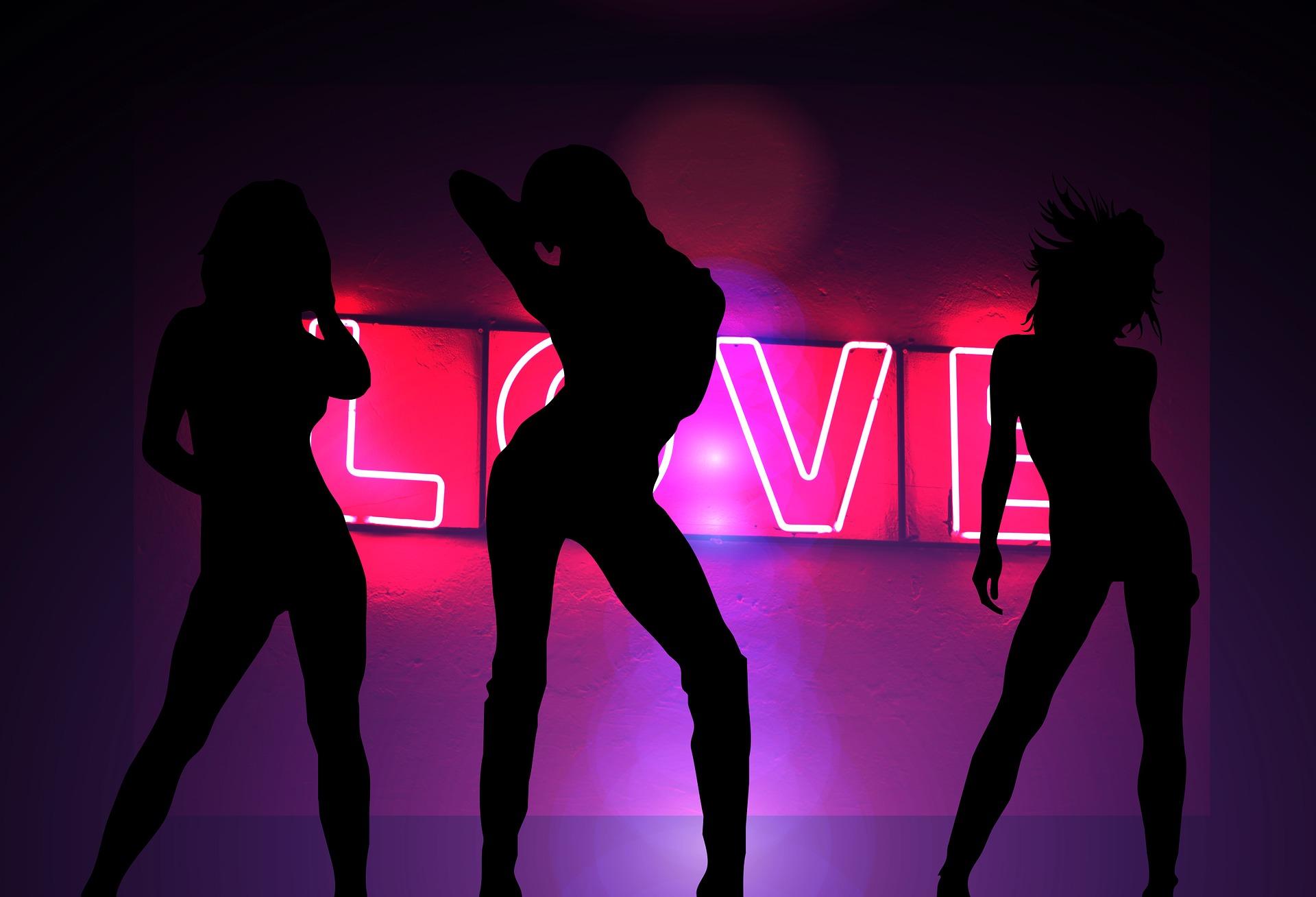 Kochaj siebie i tańcz, tańcz, tańcz
