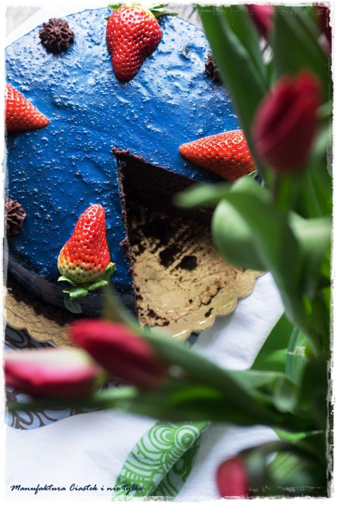 Tort czekoladowy z kremem czekoladowym