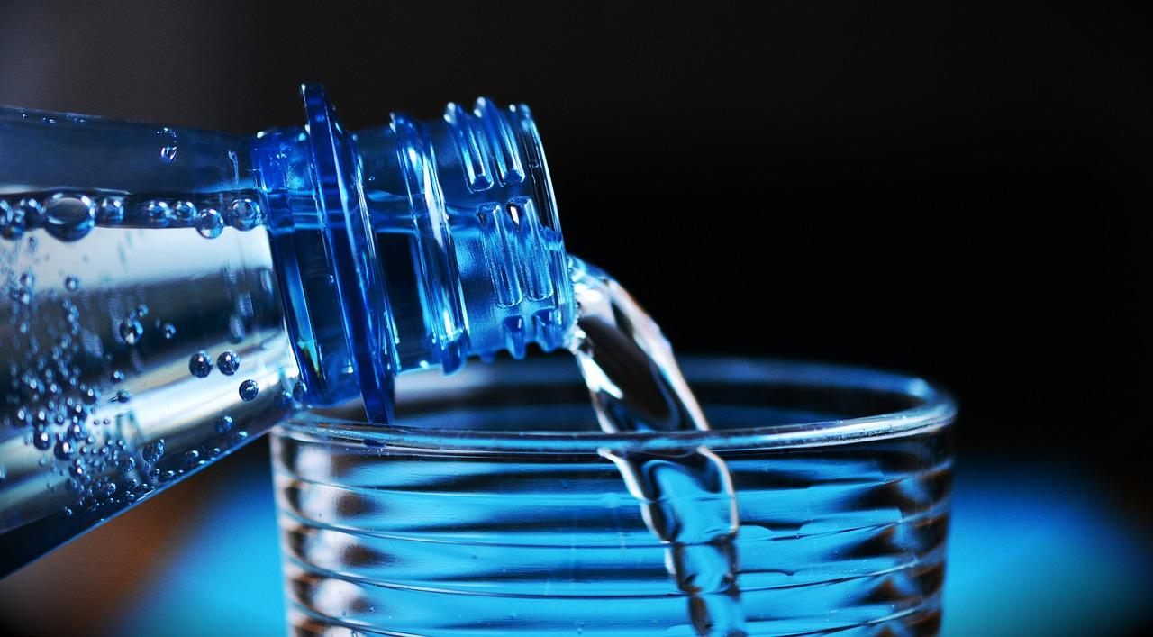 Woda – dlaczego jest tak ważna w naszym życiu.