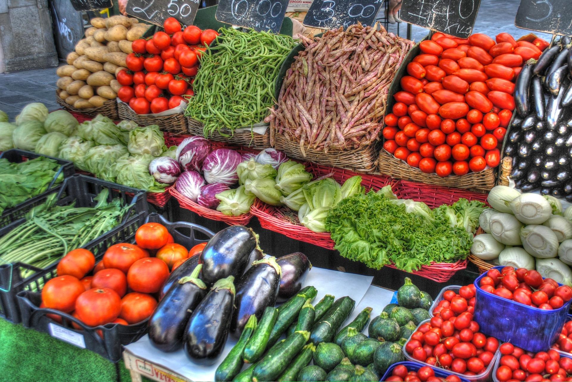 Lato – czas warzyw i owoców…